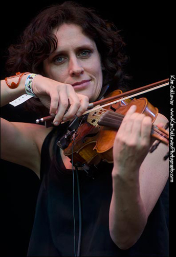 Jenny Scheinman at Kate Wolf Festival 2011- Photo by Kim Sallaway
