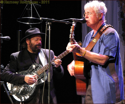 Bruce Cockburn -Colin Linden- Nashville - Photo by Ramcey Rodriguez